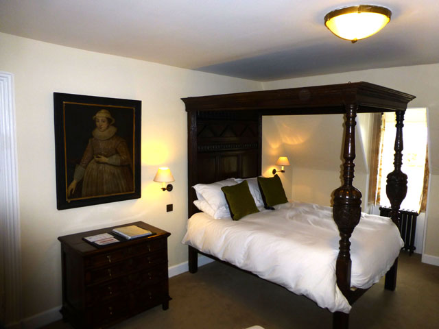 lochnell bed at barcaldine castle