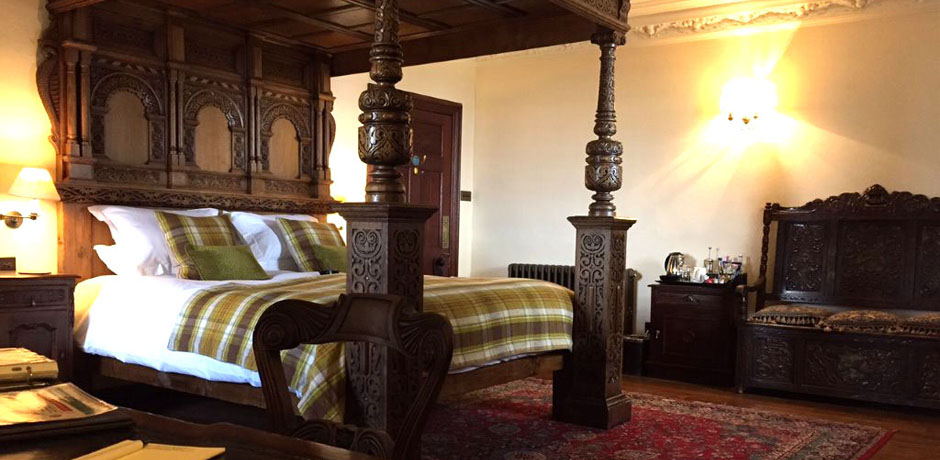 breadalbane room at barcaldine castle