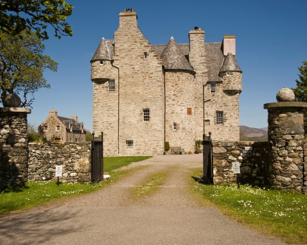 Barcaldine Castle and its gates.